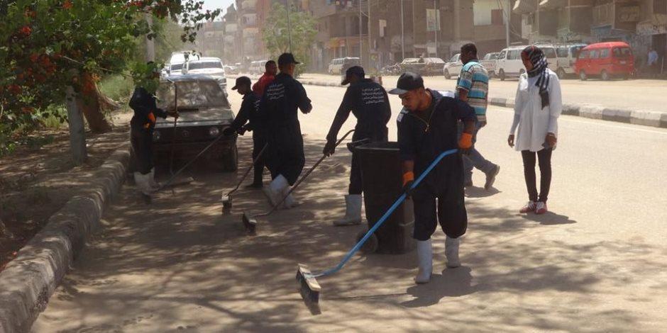 رفع 12 طن قمامة في حملة بشرق السكة الحديد بمدينة الأقصر