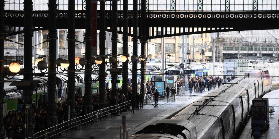 «بعد توقفها ساعة و20 دقيقة».. عودة حركة القطارات في سوهاج