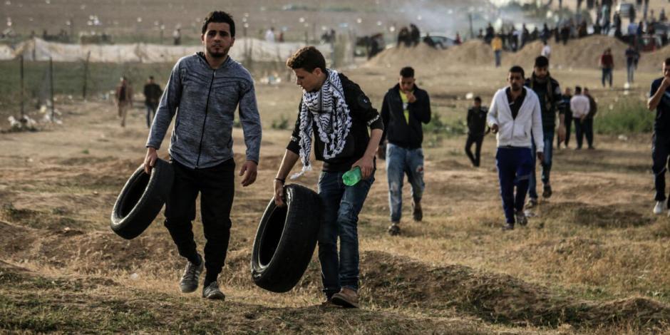 الاحتلال يستهدف الصحفيين في الجمعة السابعة لمسيرات العودة