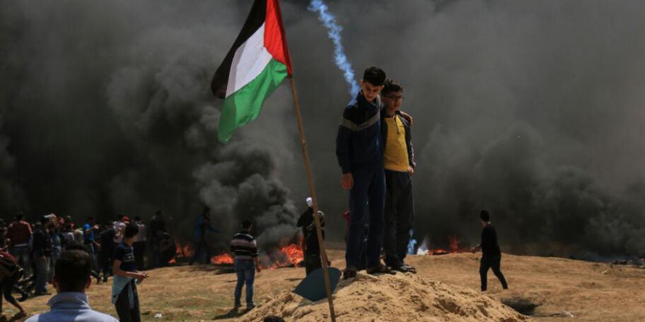 الصحة الفلسطينية: الاحتلال يستهدف عدد من الأطفال والنساء في مسيرة العودة