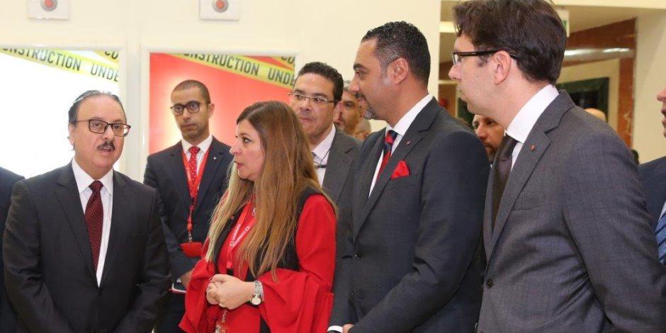 وزير الاتصالات يلتقي قيادات شركة فودافون مصر بمقر الشركة