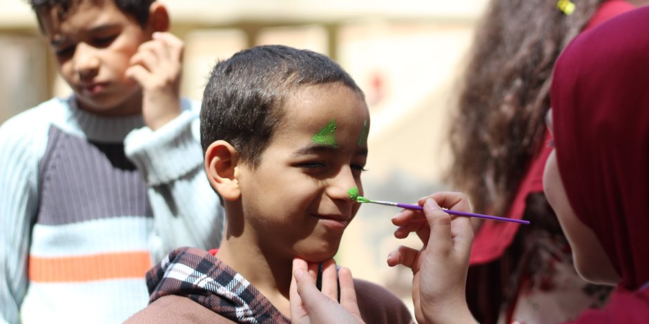 بحضور عصام شرف.. فقرات ترفيهية فى حفل يوم اليتيم بالمقطم (صور)