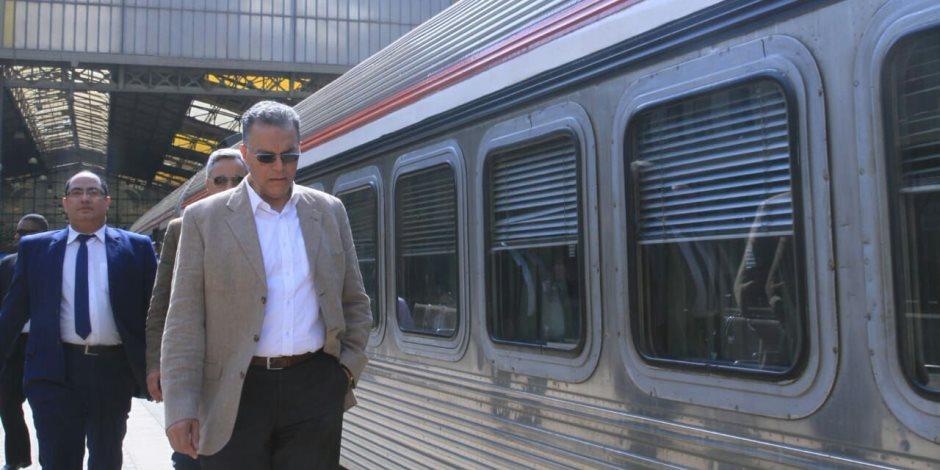 بتكلفة 17 مليار جنيه.. لماذا حملت «السكة الحديد» المحليات مسئولية تأخير كهربة الإشارات؟