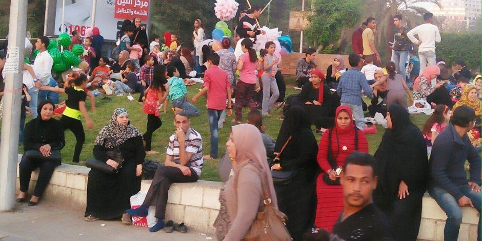 «فسيخ وبيض ورنجة».. جامعة القاهرة تسأل النجاة (صور)