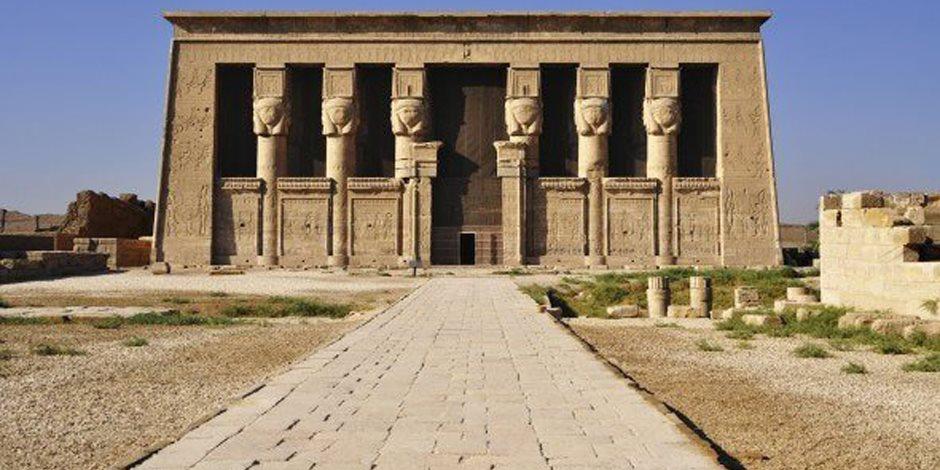 1650 زائرا لمعبد دندرة السياحي بقنا في عيد شم النسيم
