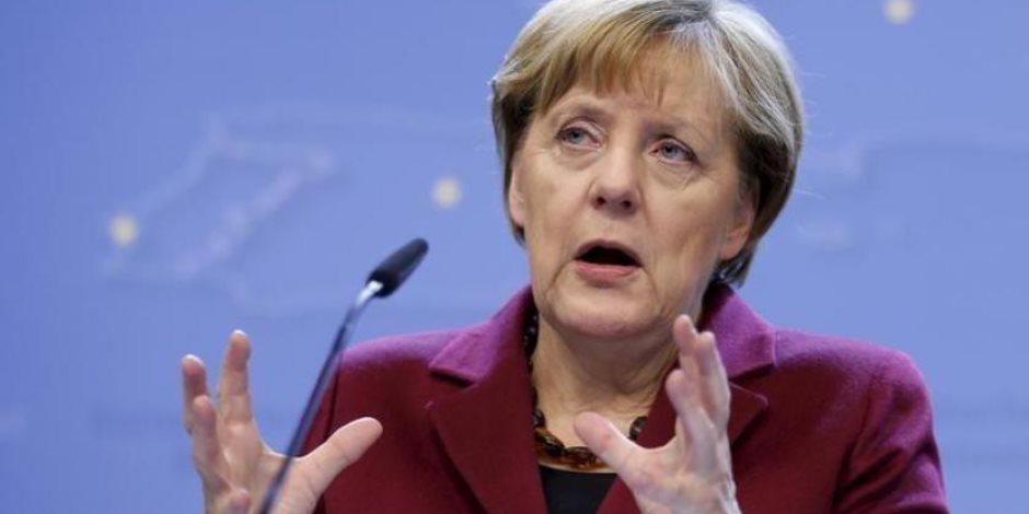 ميركل تنقذ حكومتها.. ماذا فعلت المستشارة الألمانية لإقناع وزير الداخلية بالعدول عن استقالته؟