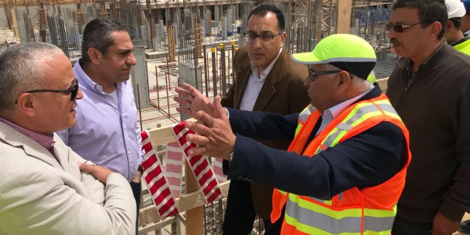 وزير الإسكان يكلف بالالتزام بالبرامج الزمنية لتنفيذ 1320 وحدة سكنية بالسادات