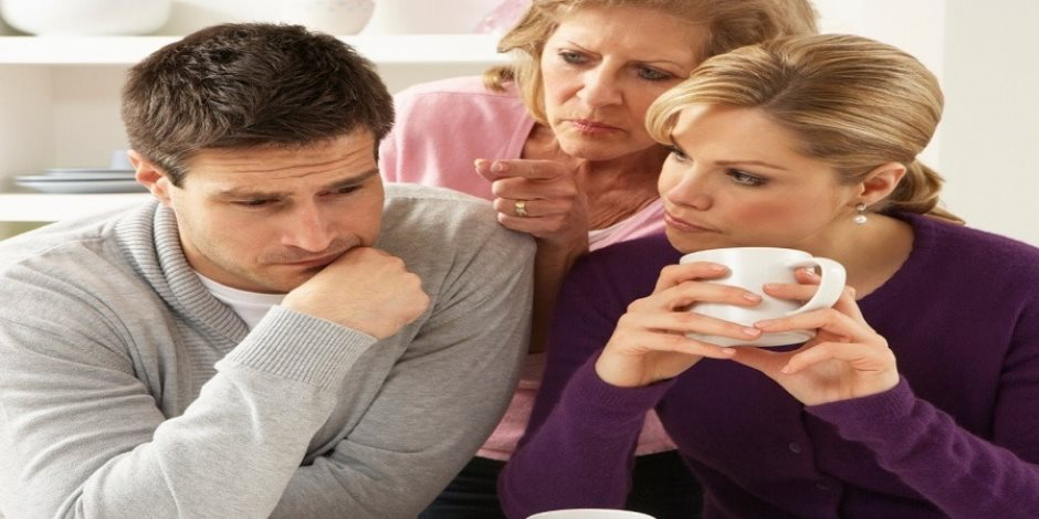 قصة منتصف الليل: استعان بوالدته ليفض «غشاء بكارة» زوجته