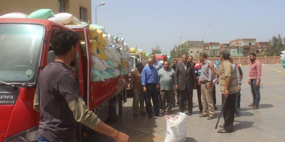 مساعد محافظ كفر الشيخ يتفقد صوامع استقبال 85 ألف و200 طن قمح (صور)