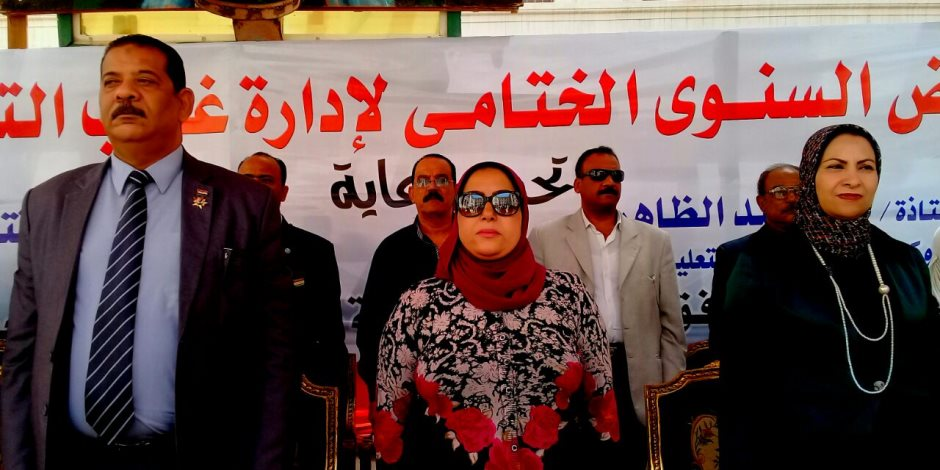 وكيل وزارة التربية والتعليم بالإسكندرية تفتتح معارض الأنشطة الطلابية