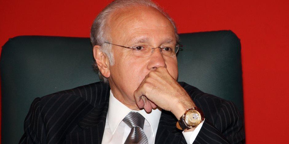 يأكلون مال اليتيم.. ننشر تفاصيل التحقيق مع صلاح دياب وحما جمال مبارك لاستيلائهم على أراضي الدولة