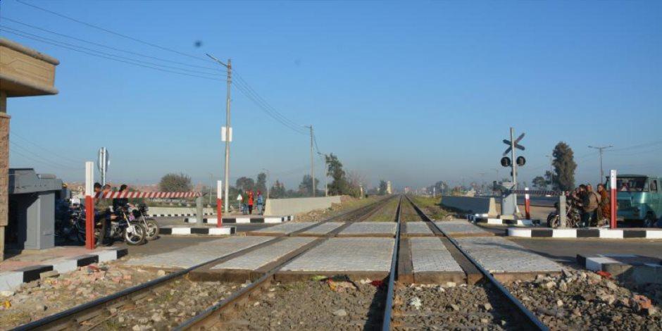 السكة الحديد: تأخر قطار أسوان نتيجة اقتحام «توكتوك» لشريط القطار