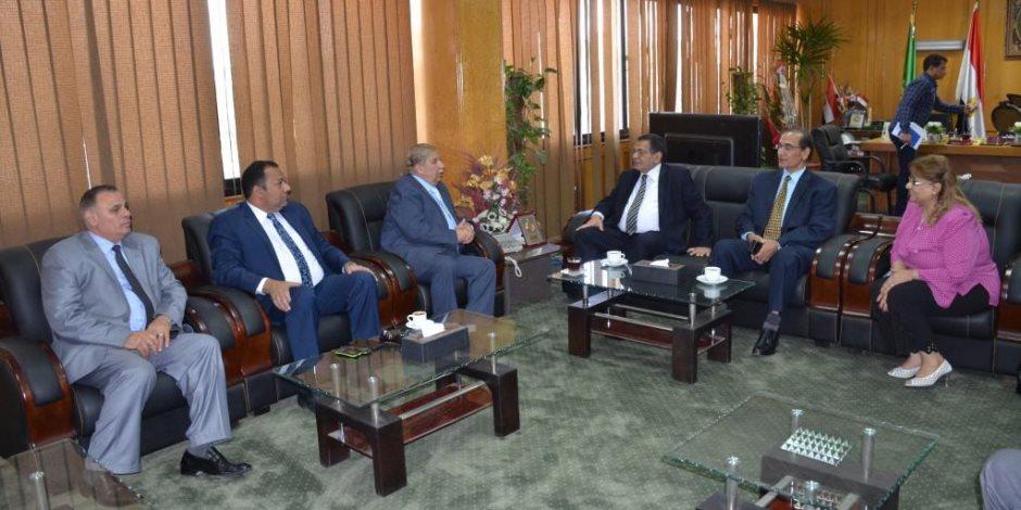 محافظ الإسماعيلية يناقش استعدادات افتتاح المقر الجديد لمحكمة الأسرة