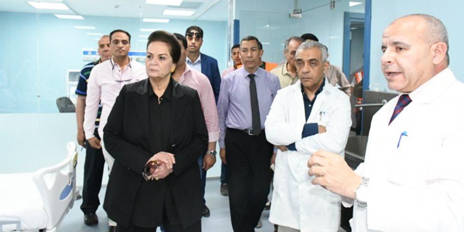 محافظ البحيرة يتفقد أعمال تجهيزات المبنى التخصصي الجديد بمستشفى دمنهور (صور)