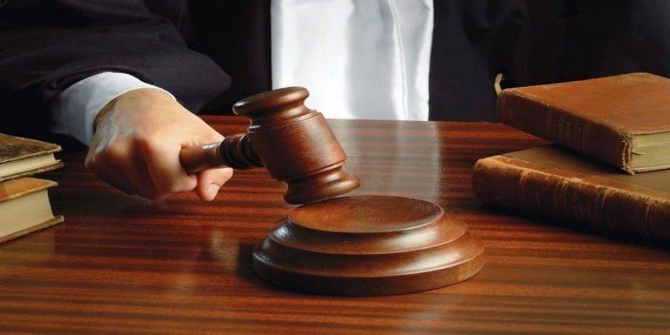 جنايات القاهرة تواصل محاكمة ضابط طبيب بتهمة الرشوة.. الإثنين