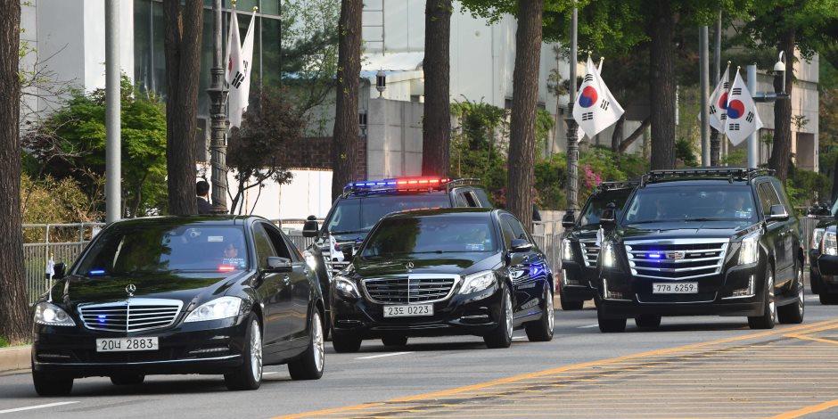 لحظة مغادرة رئيس كوريا الجنوبية مقر الرئاسة للقاء نظيره الشمالي (صور)