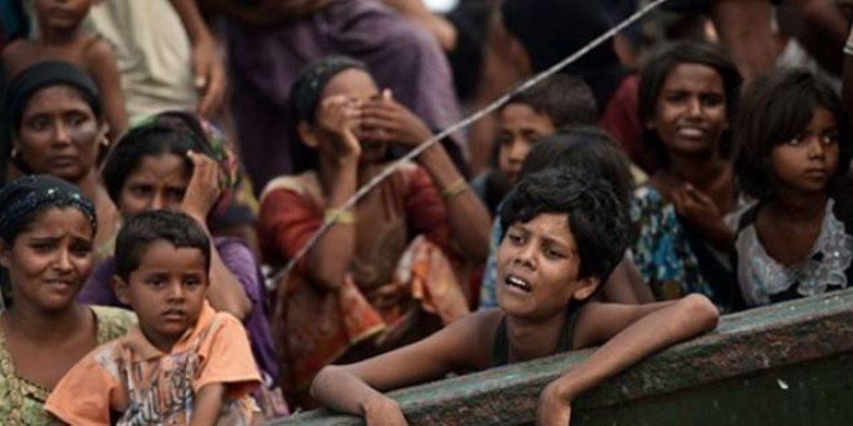 لاجئو الروهينجا يحتشدون فى مخيم ببنجلاديش للترحيب بالبعثة الأممية