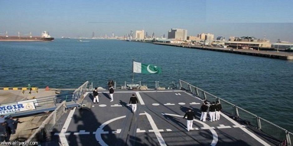 البحرية الباكستانية تعلن إنقاذ 12 صيادا هنديا بعد تعطل قاربهم