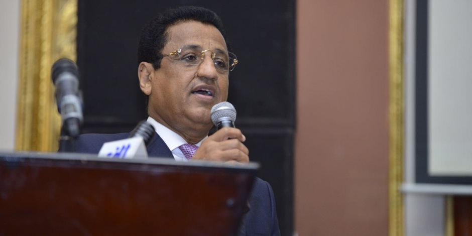 وزير السياحة اليمني يدعو العالم للاستثمار بجزيرة «سقطرى»