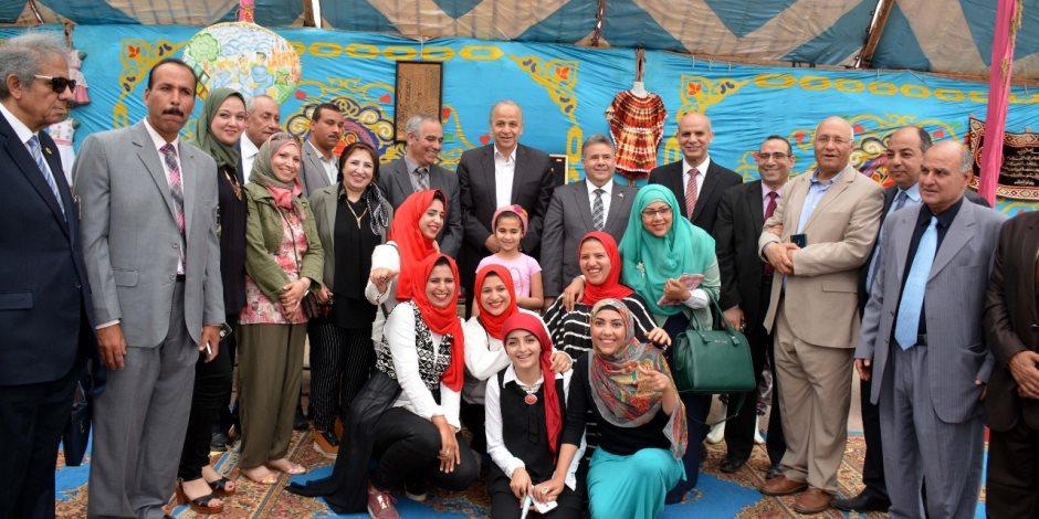 محافظ القليوبية ورئيس جامعة بنها يفتتحان معرض مستلزمات رمضان بالشبان المسلمين