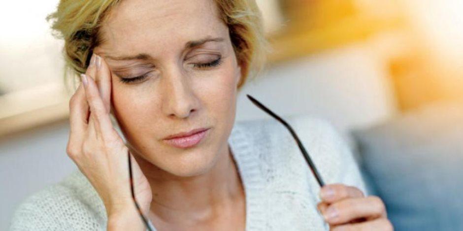 هل يسبب الضغط العصبى والإفراط في تناول الأدوية صداع الرأس؟