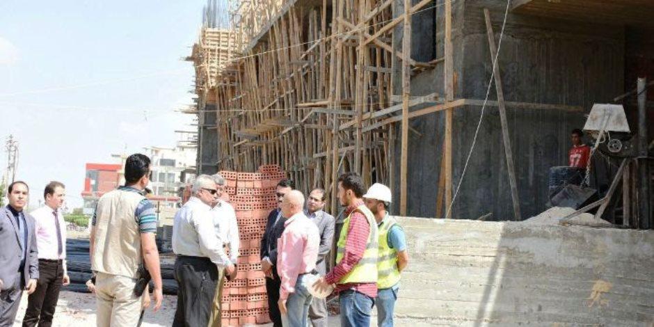 تنفيذ أعمال إنشاء مستشفي الطوارئ و محور المنسترلي بتكلفة 700 مليون جنيه (صور)