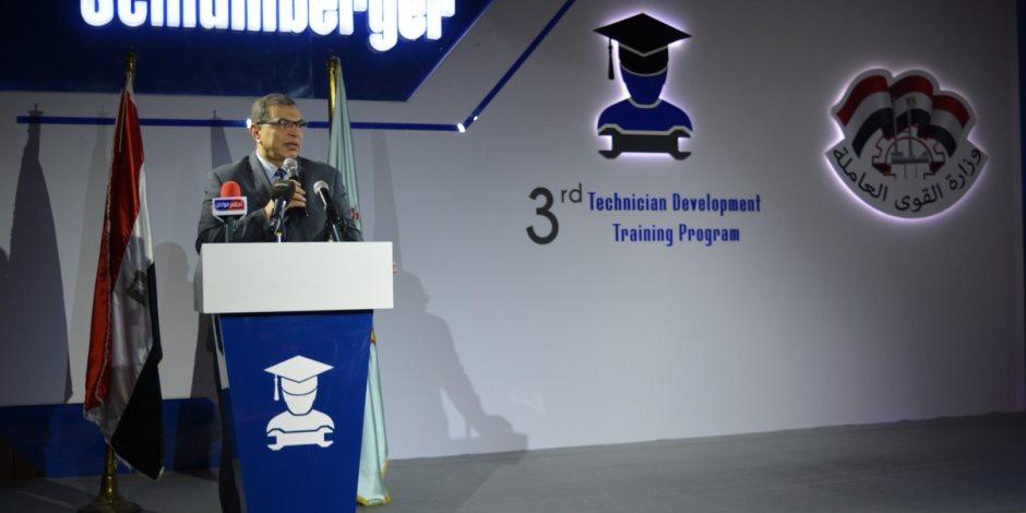 وزير القوى العاملة: تبني مشروعات الخريجين لتنفيذها على أرض الواقع