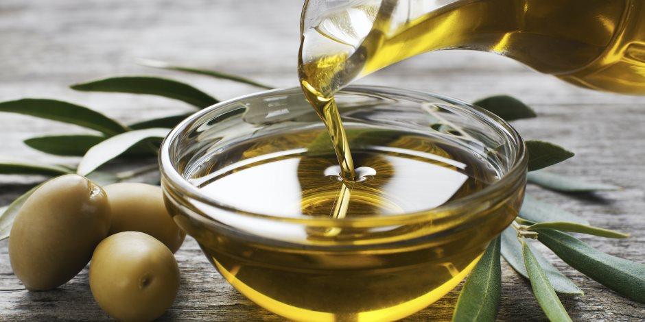 يحمي من الزهايمر ويقوي المناعة.. 10 فوائد لزيت الزيتون النقي