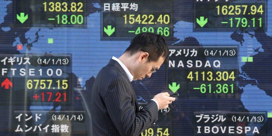سلبيات الحرب التجارية عرض مستمر.. لماذا تتراجع أسهم الصين؟