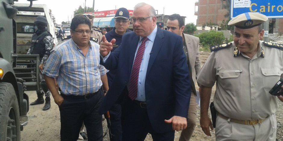 تفتيش مفاجئ من مدير أمن القليوبية لمأمورية ترحيل أحد المسجونين (صور)