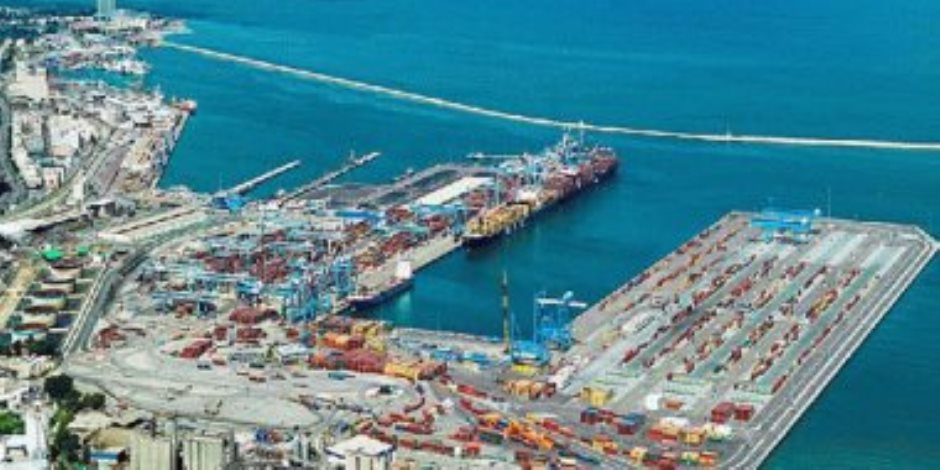 24 سفينة إجمالى حركة موانئ شرق وغرب بورسعيد على مدار 24 ساعة