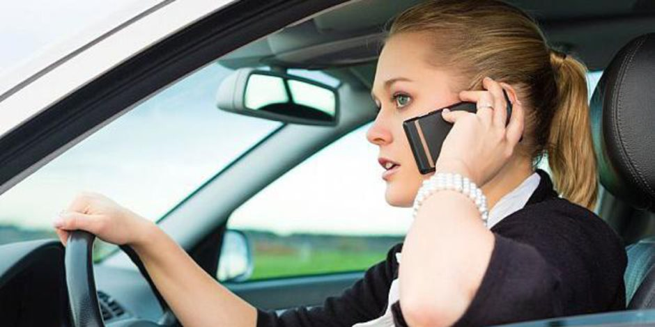 دراسة: المكافآت المالية قد تقنع المراهقين بعدم استخدام هواتفهم أثناء القيادة