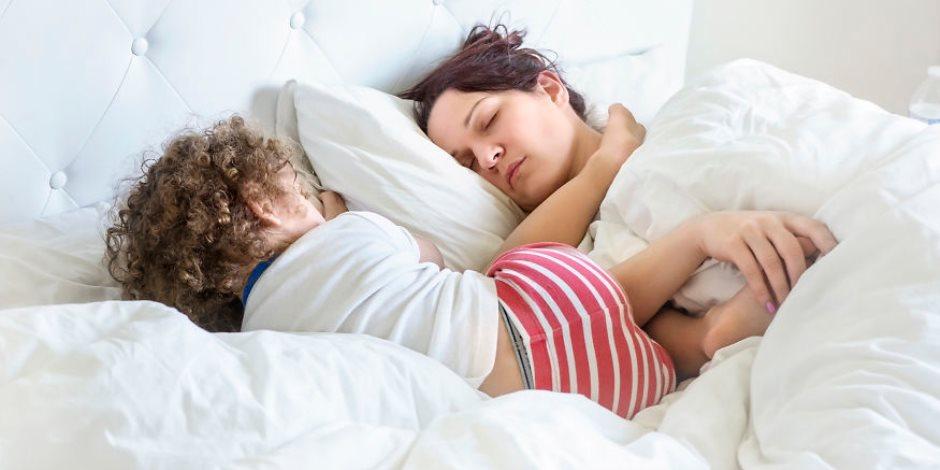 الأمومة صعبة بس مستهلة.. مشاهد يومية للأمهات مع الأطفال.. دوشة وصوت عالى