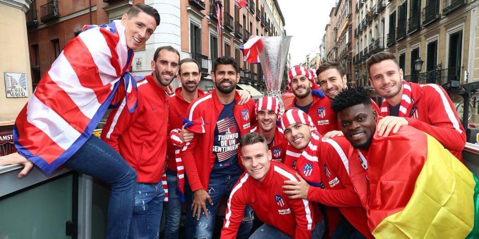 كيف احتفل أتلتيكو مدريد بالتتويج بالدوري الأوروبي؟ (صور)