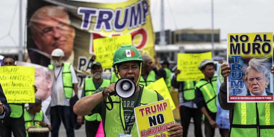 مظاهرة فى المكسيك تنديدا بسياسة «ترامب» ضد الهجرة إلى أمريكا (صور)