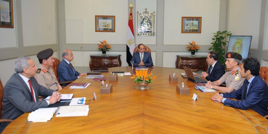الرئيس السيسي يوجه بتنفيذ مشروعين لتأمين الاحتياجات من المنتجات البترولية
