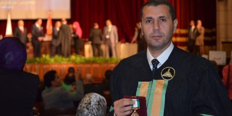 الرئيس السيسي :يمنح الدكتورمحمد بربر بعلوم طنطا نوط الامتياز من الطبقة الاولي
