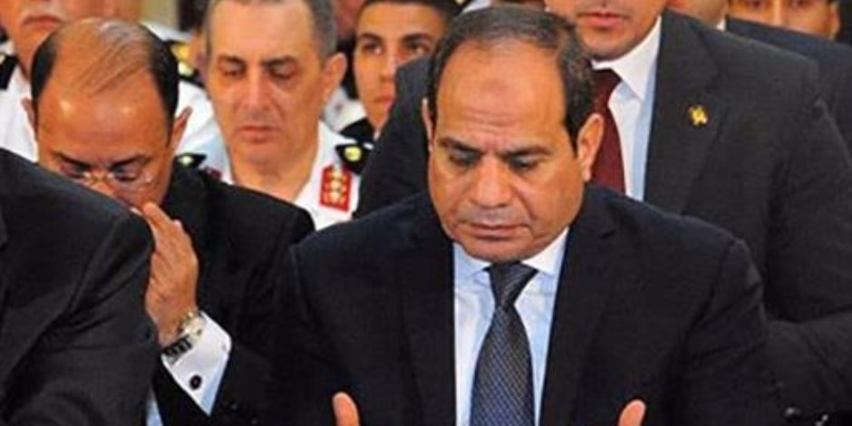 وصول الرئيس السيسي وشيخ الأزهر ووزير الدفاع مسجد المشير طنطاوي لأداء صلاة الجمعة