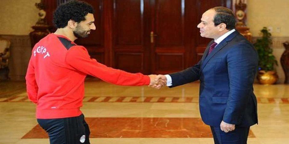 الرئيس السيسي بعد اتصاله بـ«صلاح» للاطمئنان عليه: «وجدته بطلاً»