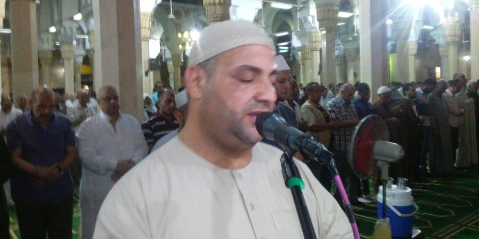 """صلاة التراويح بمسجد """"الدسوقي"""" فى كفر الشيخ 23 ركعة بجزء من القرآن ( صور )"""