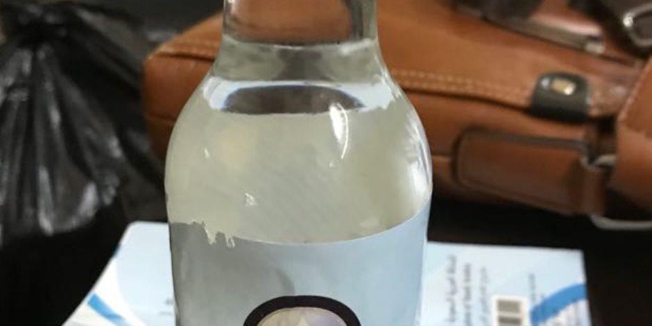 الآن ماء زمزم بالمكتبات.. تفاصيل ضبط نصاب يتلاعب بالعلامات التجارية للمياه (صور)