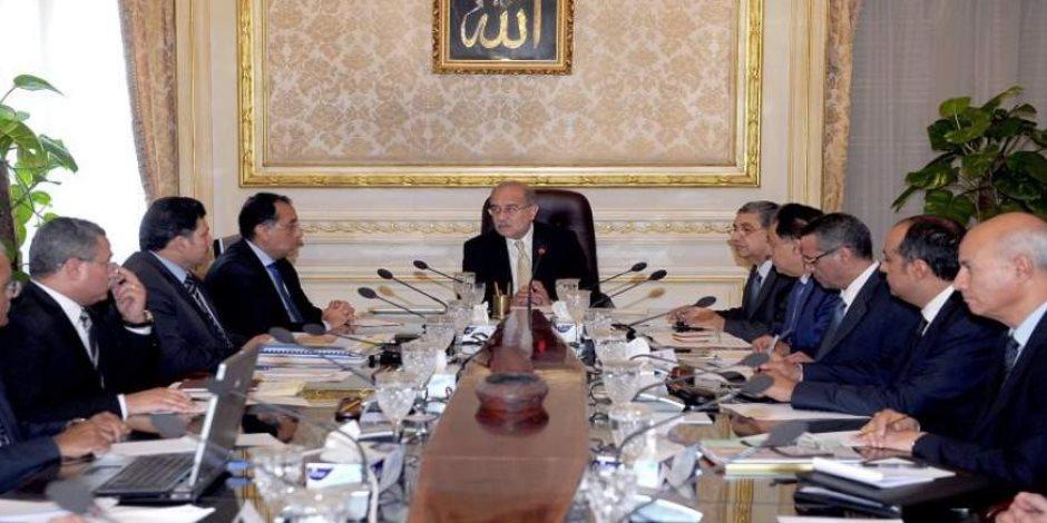 «حكومة المهام الصعبة».. كيف تحمل وزراء شريف إسماعيل قرارات الإنقاذ الاقتصادي؟