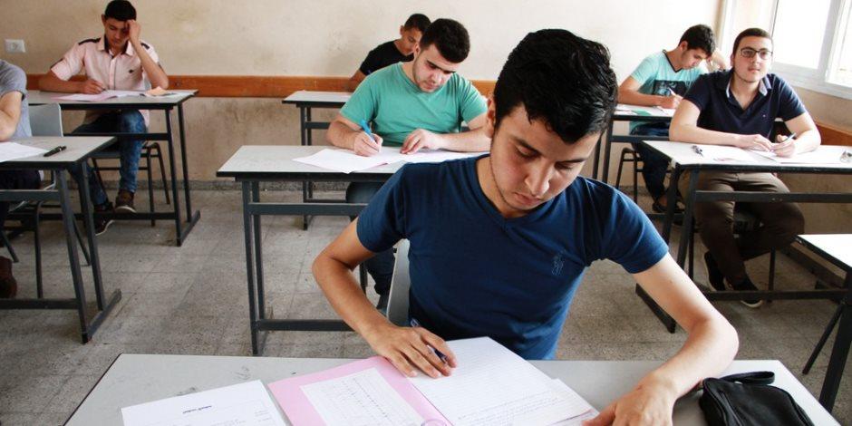 في تجربة تعليمية جديدة ورائدة.. امتحانات «الميدتيرم» بتجارة المنصورة «أون لاين»