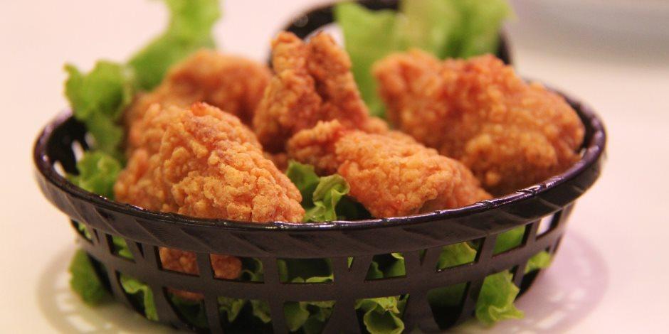 فطارك عندنا النهارده.. طريقة عمل دجاج كنتاكي بوصفة سهلة ومقادير اقتصادية