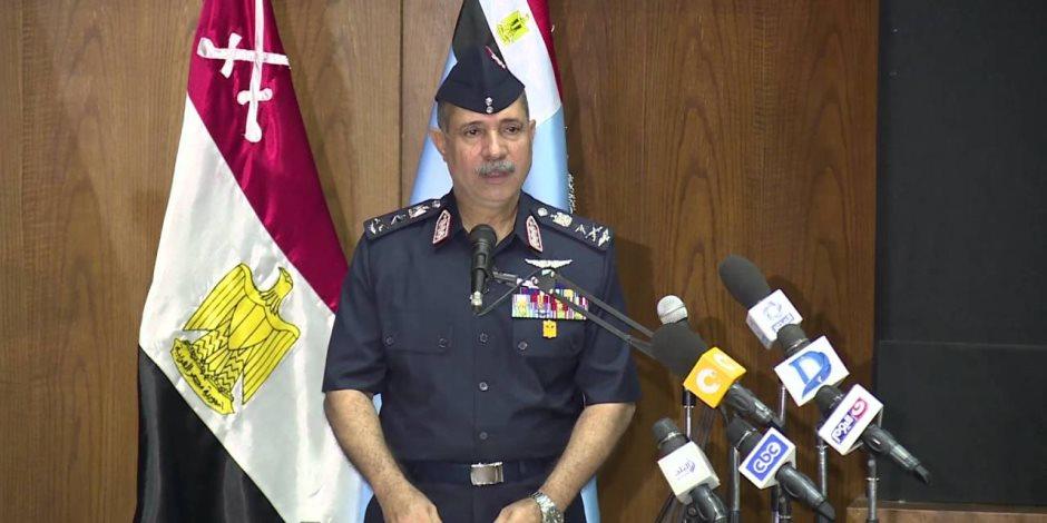 """السيسي يكلف بمشروع ضخم """"ينافس مطار القاهرة"""" في العاصمة الإدارية"""