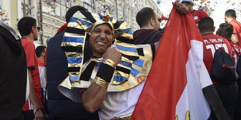 الجماهير المصرية تشعل شوارع روسيا.. هتافات «مو صلاح» تثير رعب الدب الروسي (فيديو)