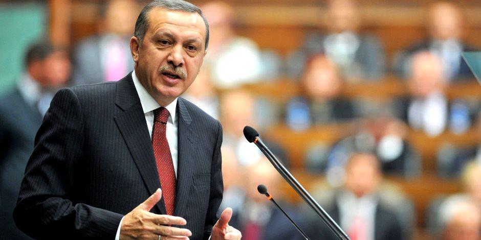 تركيا أصبحت للأغنياء فقط.. سياسات أردوغان تدفع الشركات في أنقرة إلى وقف أعمالها