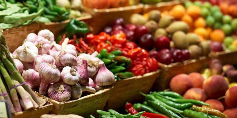 قبل ما تشترى.. تعرف على أسعار الخضروات في سوق العبور
