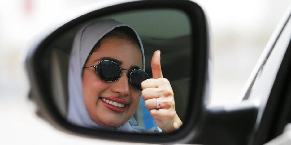 بعد جلوسها على مقعد قيادة السيارة.. المرأة السعودية في طريقها لكرسي القضاء