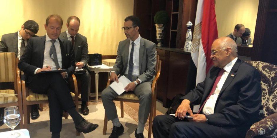 استثمر في مصر.. ماذا يخبئ لقاء «عبد العال» ورئيس كتلة الاتحاد المسيحي بـ«البوندستاج»؟